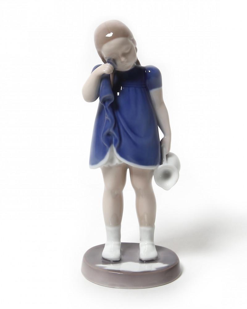 """Фарфоровая статуэтка """"Пролившая молоко"""". Bing & Grondahl"""